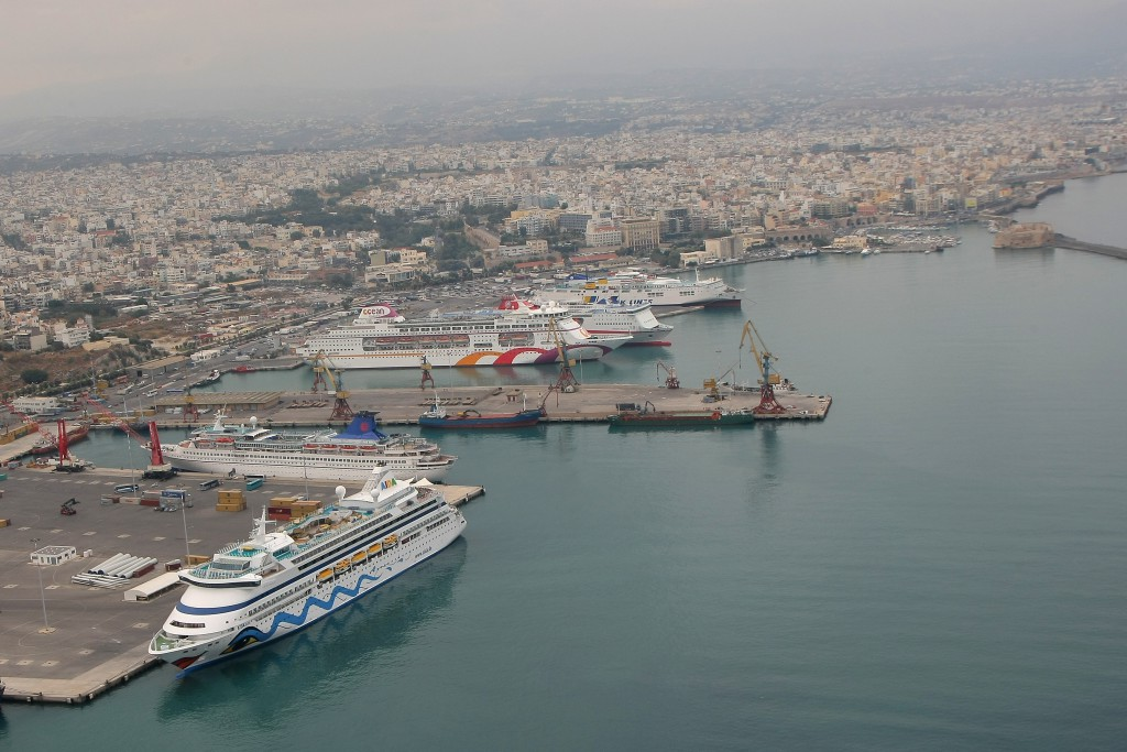 Heraklion_Port_Looking_West